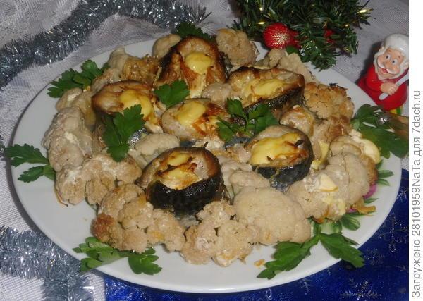 Рулетики из скумбрии, запеченные с овощами - пошаговый рецепт приготовления с фото