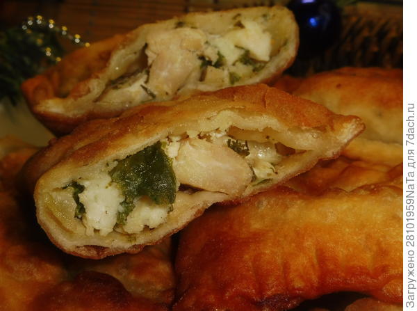 Мини-пирожки с куриным мясом, зеленью и брынзой. Пошаговый рецепт приготовления с фото