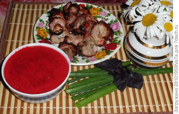 шашлык и соус