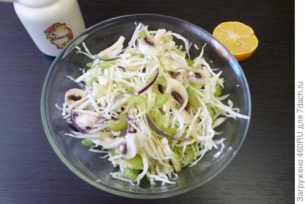 Салат из капусты и шампиньонов - пошаговый рецепт приготовления с фото