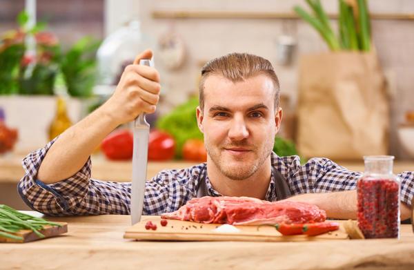 По статистике, продукты, наиболее опасные для кишечника, мы чаще всего используем для пикника на природе