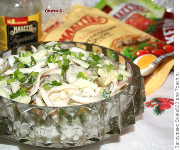 Салат из кальмаров и огурцов