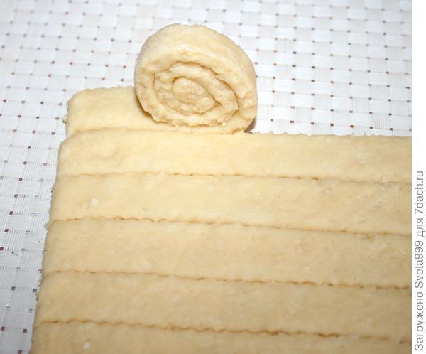 Сырное печенье с кунжутом; Улитки; пошаговый рецепт приготовления с фото