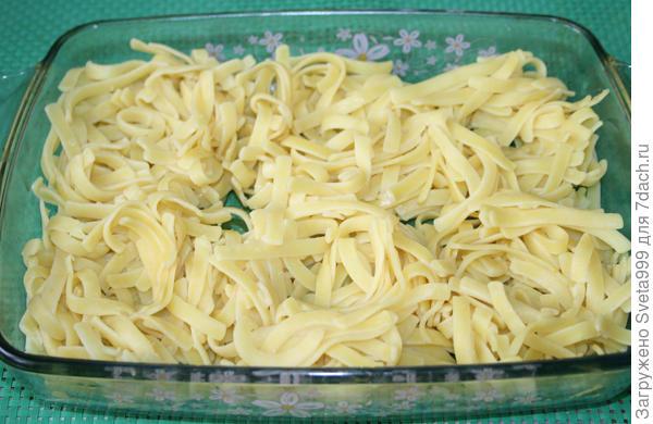 Гнезда из лапши с курицей и грибами. Пошаговый рецепт приготовления с фото
