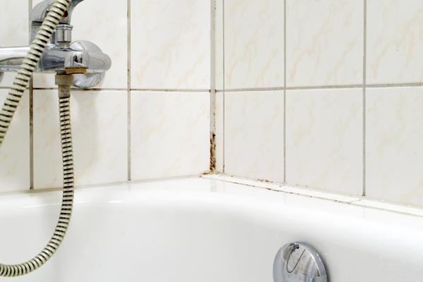 Интересно, справится ли очиститель герметика?