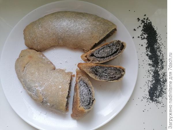 Постный пирог с маком