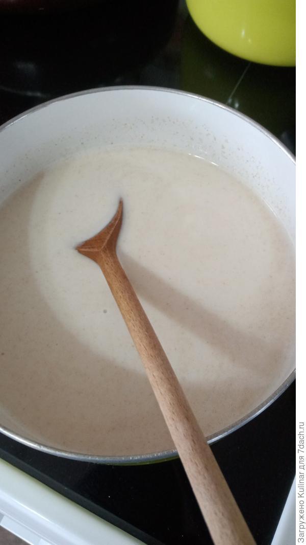 Овсяный кисель с ягодным соусом - пошаговый рецепт приготовления с фото