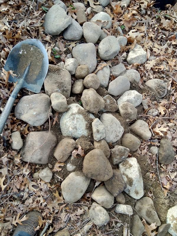 Крупные камни из ямы 1,2х1,2х0,9м
