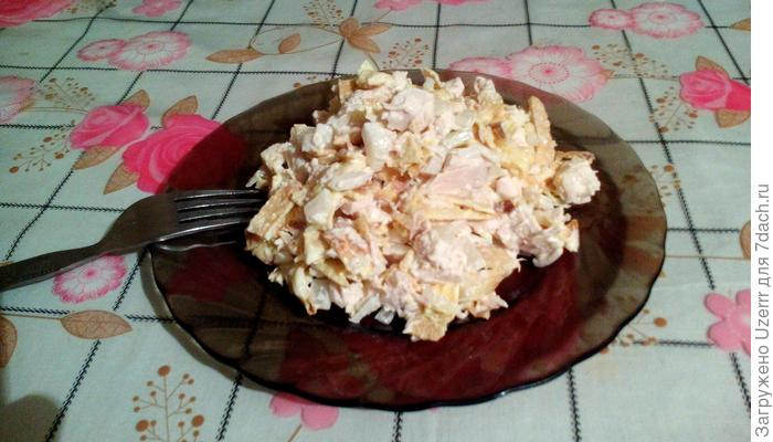 Наивкуснейший и наипростейший салат с омлетом и курицей