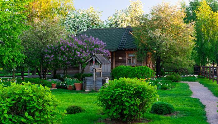 Сад в стиле русской усадьбы