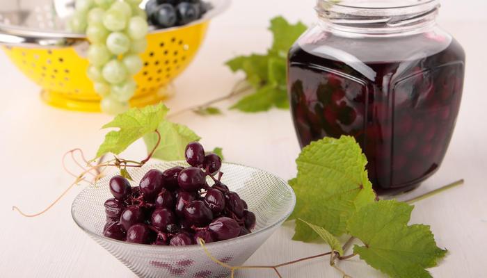 15 необычных заготовок из винограда на зиму