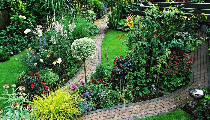 Проходите, пожалуйста! Планируем сеть дорожек на садовом участке