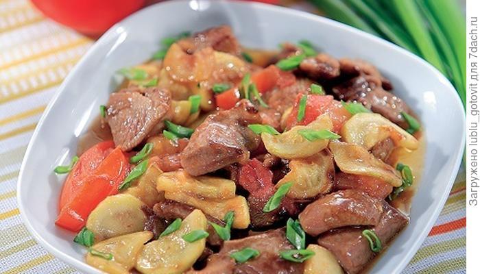 Свинина, жареная с помидорами и кабачками: готовим классический ужин