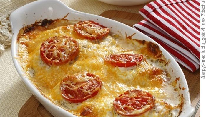 Запеченные куриные грудки под сырным соусом: не ужин, а мечта!