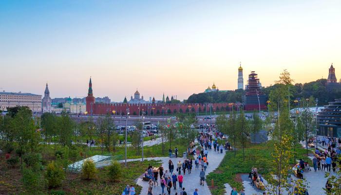 В центре Москвы открылся парк «Зарядье»