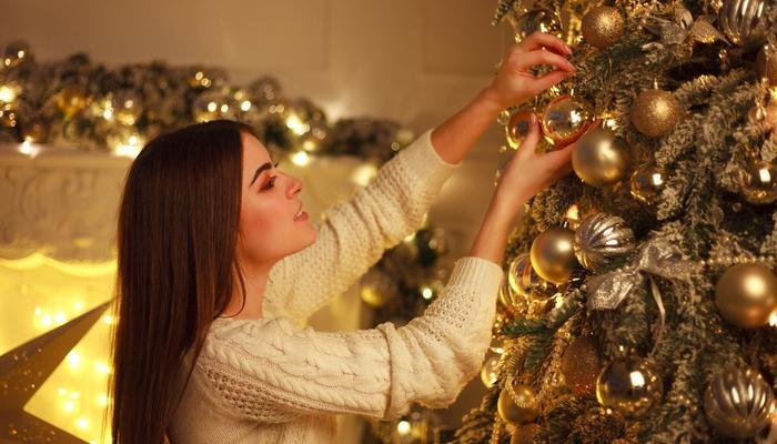 Самые модные наряды для вашей новогодней елки 2019