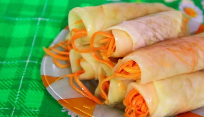Маринованные капустные рулетики с морковью. Хит любого праздничного стола