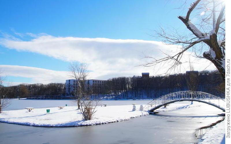 Зимний день на озере