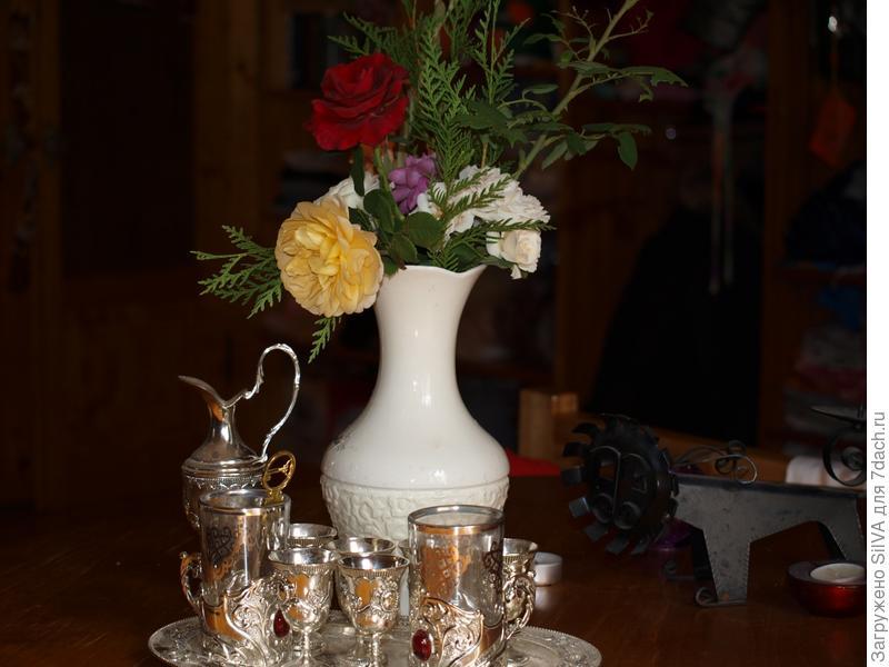 композиция из маленьких роз