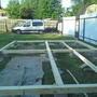 На блоки тоже положил рубероид, бетон имеет свойства впитывать влагу, и чтобы влага не переходила от бетона к дереву, кладётся прокладка из рубероида.