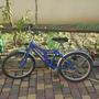 Велосипеды бывают разные - синие, зеленые и красные...