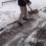 Самосваливающая лопата или дополнительная рукоятка «три в одном».