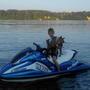 Да что там лодка, с любимым хозяином я и на гидроцикле отлично погоняю!