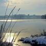 Утро на зимнем озере