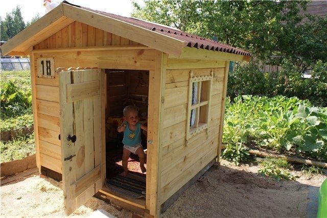 Домик детский сделать на даче своими руками