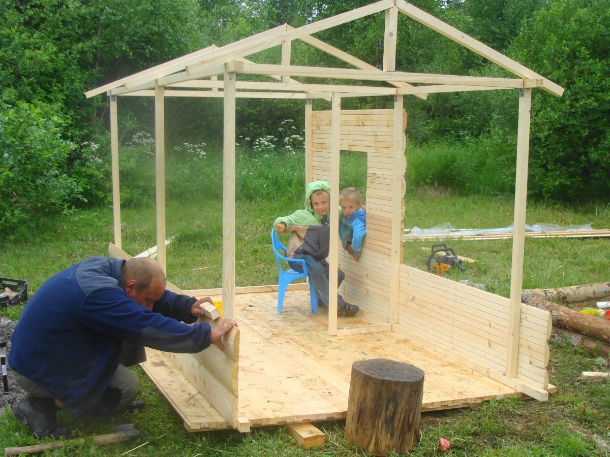 Простой домик для ребенка на даче своими руками