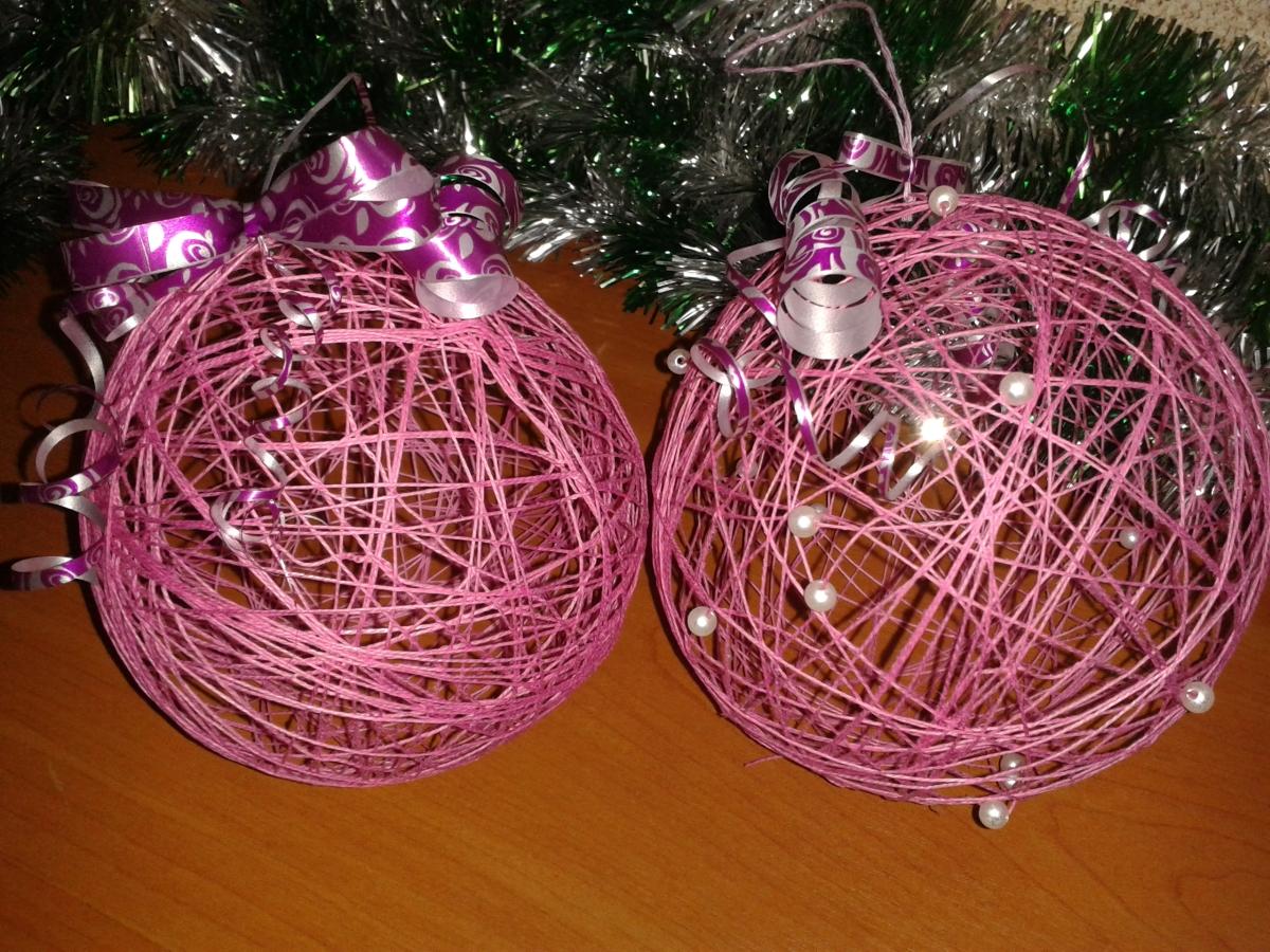 Новогодние шарики из ниток